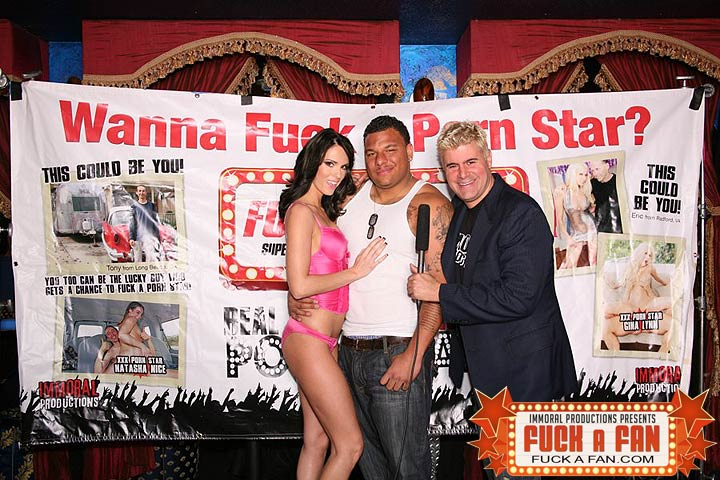 Porn Star Jennifer Dark Banging One Her Fans
